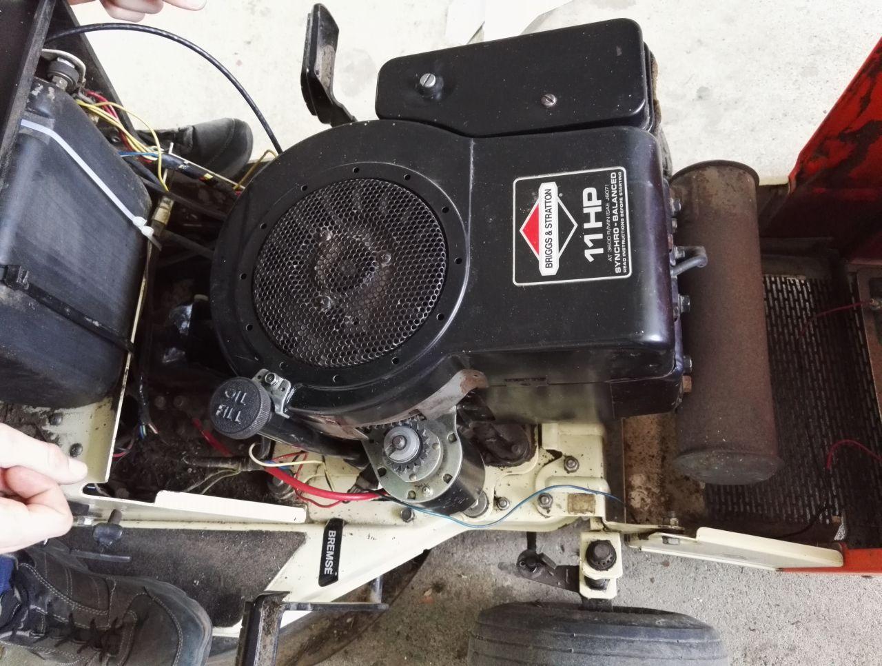 Groß Briggs & Stratton 11 Ps Motor Galerie - Elektrische Schaltplan ...